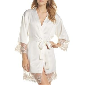 Flora Nikrooz $88 Rosa Kimono Robe Charmeuse Ivory